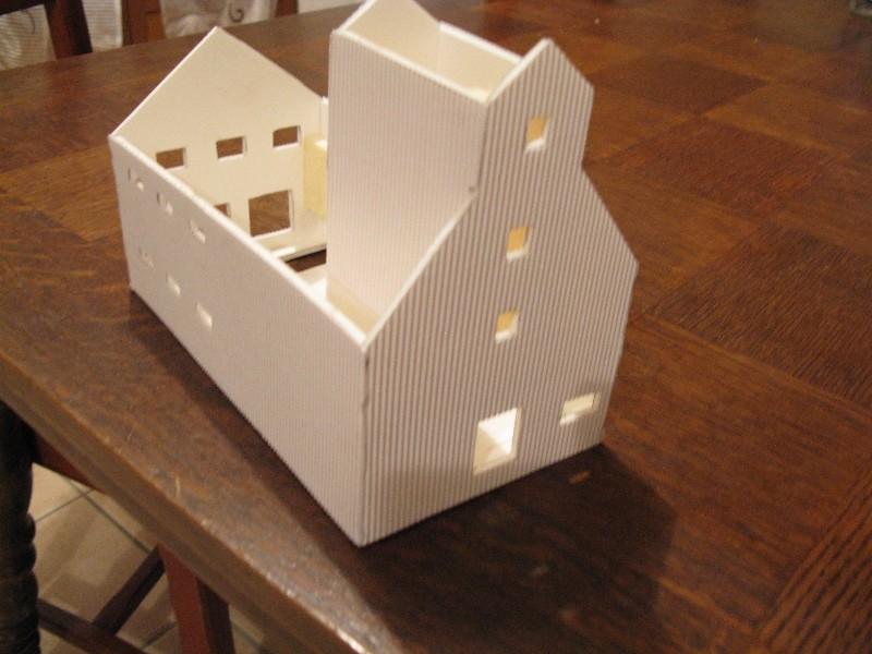 construction d un silo cereal en carton plume. Black Bedroom Furniture Sets. Home Design Ideas