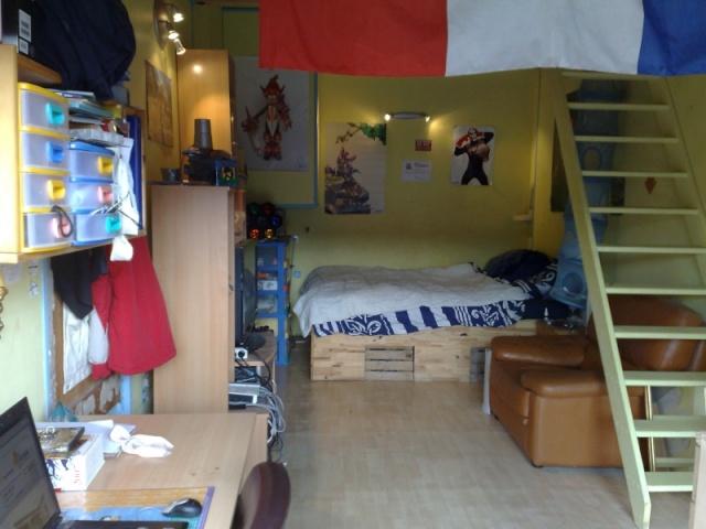 Demande de conseil pour d corer une chambre rouge et noire a for Chambre de fille 14 ans
