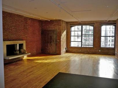 Decoration brique rouge style loft new yorkais - Mur brique rouge loft ...