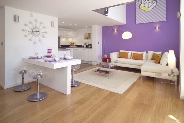 Peindre murs du salon en violet Salon noir blanc violet