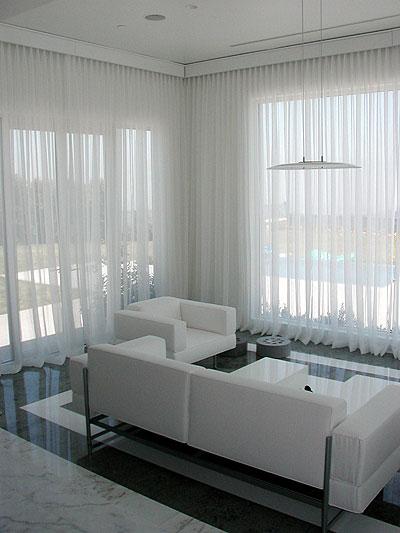 Placer des rideaux au dessus de large fen tre Rideaux baie vitree moderne