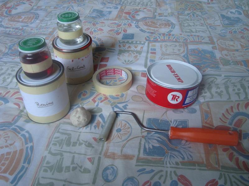 Fabrication de moule repose talons en fibre de verre for Peinture avec resine