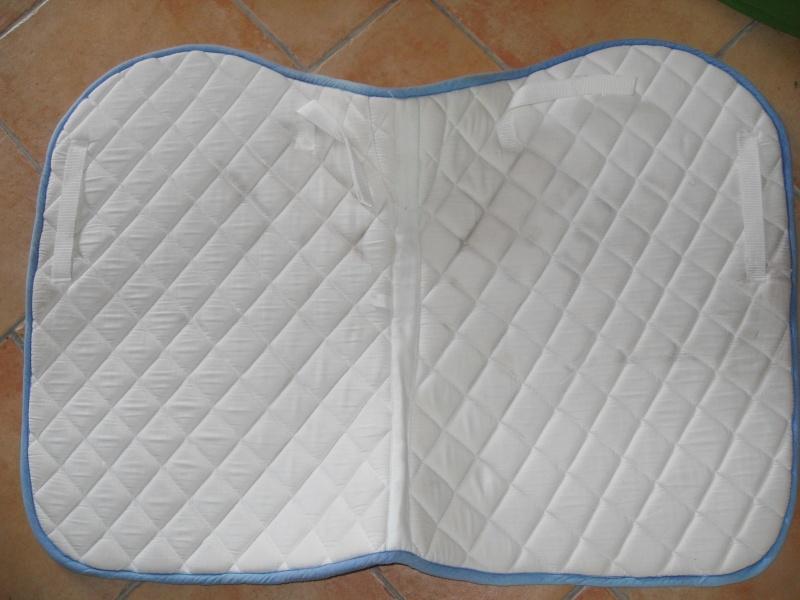 tapis pantalon veste de concour jeu a vendre. Black Bedroom Furniture Sets. Home Design Ideas