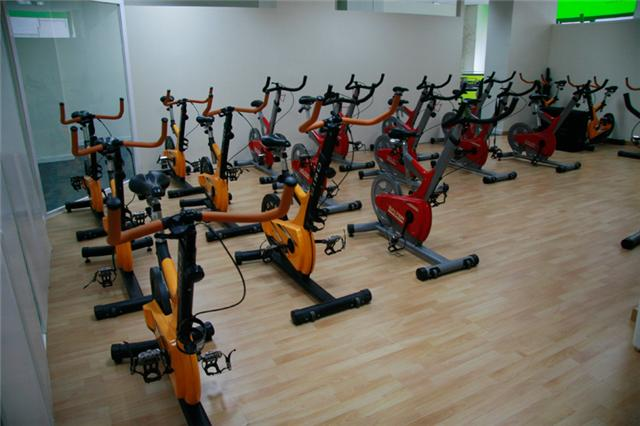 Ap ntate a nuestras clases de spinning for Clases de spinning
