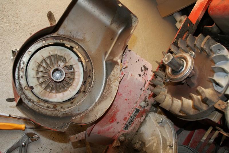 restauration du moteur de mon bouyer 111 briggs et stratton 5cv 130232. Black Bedroom Furniture Sets. Home Design Ideas